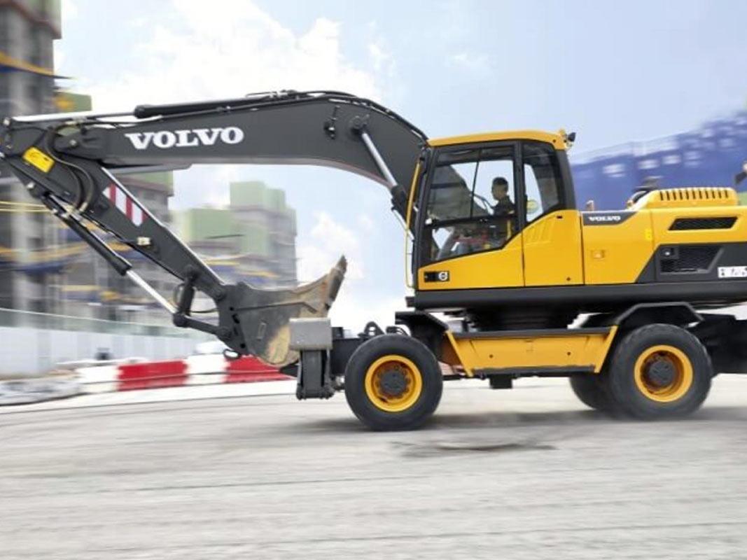 kolesnyy-Volvo-EW205D